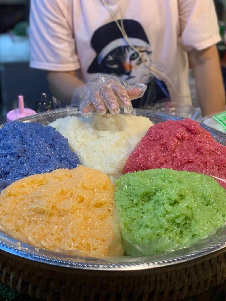 שוק לילה רוט פיי אורז צבעוני
