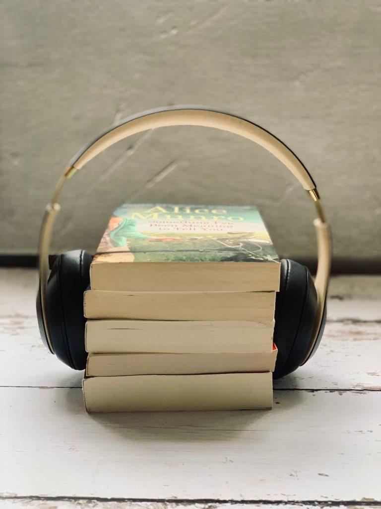 ספרים עם אוזניות