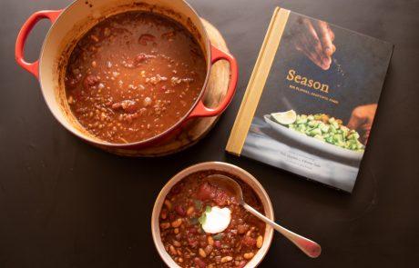 מאסטר התבלינים: קריאת בישול בSeason של ניק שארמה
